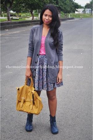 mustard bag - navy boots - floral skirt - heather gray cardigan