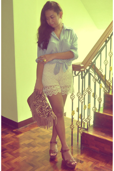 brown leopard print bag - cream lace shorts - blue chambray top - brown wedges