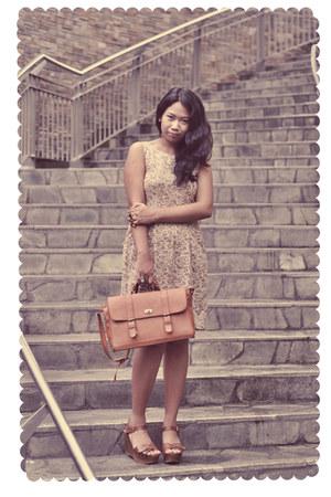 tawny shoes - light brown dress - tawny bag