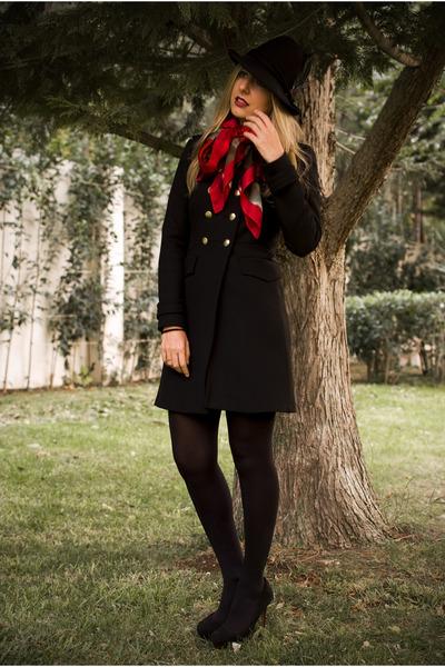 Uterque scarf - military coat Zara coat - fedora hat Zara hat - Zara pumps