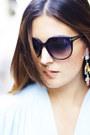 Michael-kors-bag-tom-ford-sunglasses-stradivarius-skirt-mango-earrings