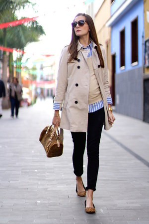 Stradivarius coat - H&M shirt - Michael Kors bag - Mango sunglasses - Zara flats