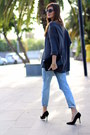 Zara-jeans-suchn-sweater-mango-sunglasses