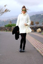 Zara boots - Sheinside sweater - Isabella Rhea bag - Ray Ban sunglasses
