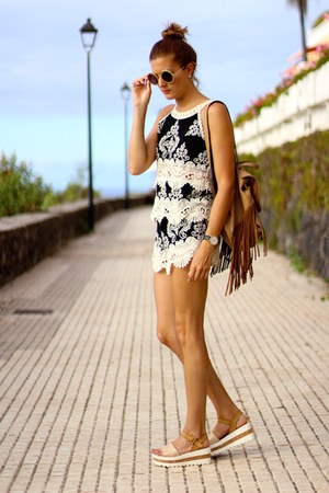 Sheinside shorts - Sheinside top - Mustang sandals