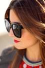 Zara-jeans-zara-jacket-celine-sunglasses-sara-briganty-necklace