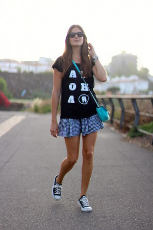 white Like to surf t-shirt - black romwe skirt - Converse sneakers