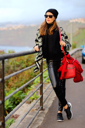 nike sneakers - Zara bag - Ray Ban sunglasses - smash cardigan