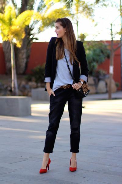 Stradivarius jeans - Zara blazer - Armani Jeans bag - Bershka heels