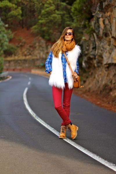 Springfield vest - Panama Jack boots - Stradivarius shirt - Zara sunglasses