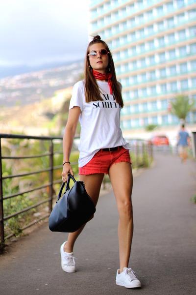 Adidas sunglasses - Res Rei sunglasses - Zara t-shirt
