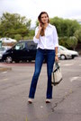 Stradivarius-jeans-natura-clogs-suchn-blouse-mango-earrings