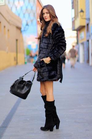 Fórmula joven coat - Prada bag - Fórmula joven skirt - Fórmula joven top