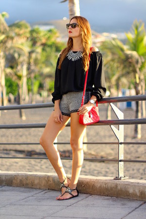 Zara shorts - Sheinside blouse - Stradivarius sandals