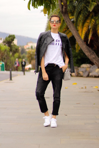 Stradivarius jeans - Michael Kors bag - Jimmy Choo sunglasses - Zara t-shirt