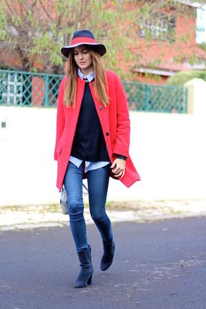 Zara coat - Menbur boots - Zara jeans - H&M sweater - El Ganso hair accessory