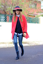 Zara coat - Menbur boots - Zara jeans - H&M sweater - El Ganso hair accessory