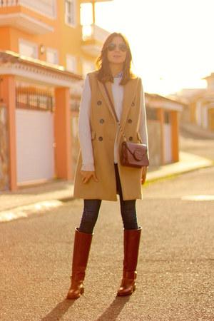 Zara boots - Zara jeans - Guess bag - Stradivarius vest