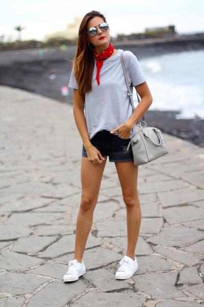 Michael Kors bag - Dolce & Gabbana sunglasses - Stradivarius t-shirt