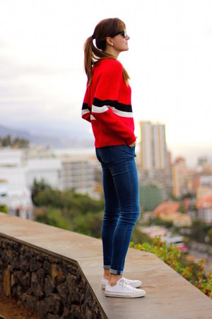 Converse sneakers - zar jeans - Sheinside sweater