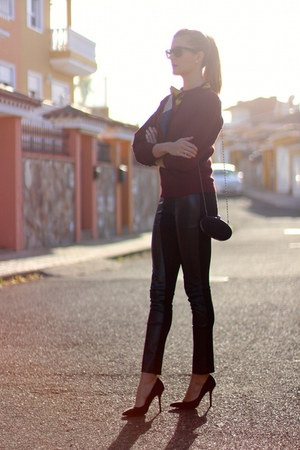 Sheinside sweater - Queens Wardrobe leggings - La Strada heels