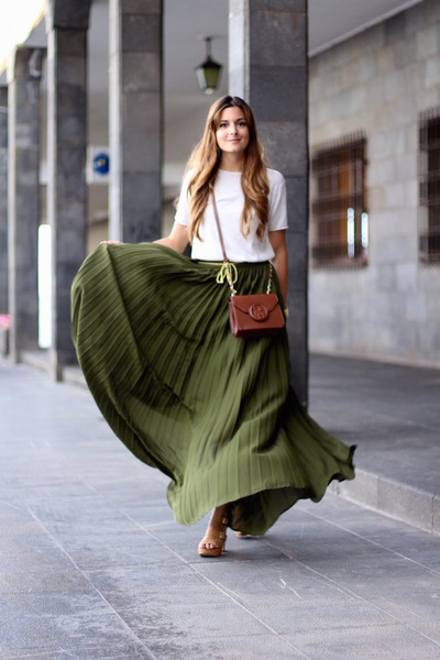 How to Wear Khaki Maxi Skirt - Search for Khaki Maxi Skirt | Chictopia