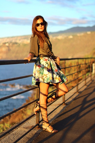 Choies skirt - Mango sandals - walktrendy blouse - Stradivarius belt