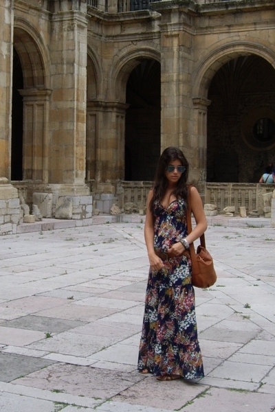BLANCO dress - Ray Ban glasses - Zara shoes - vintage purse