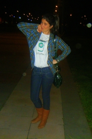 givemetheshootcom t-shirt - vintage shirt - Zara jeans - Zara boots - Misako pur