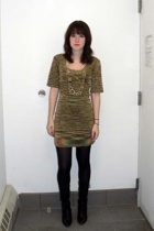 Guess dress - American Apparel leggings - DIY shirt
