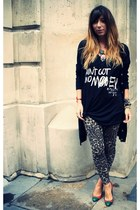 black Burfitt t-shirt - light brown traffic people leggings - red JCDC heels