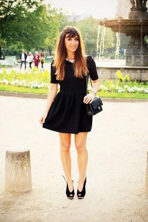 black clo&se dress - black Chanel bag - black Mina Parikka pumps