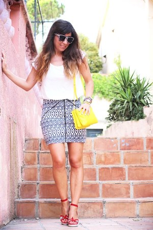 yellow Celine bag - black Love and Lies skirt - white clo&se t-shirt