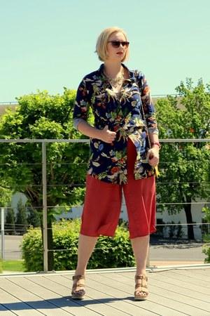 navy Rosegal shirt