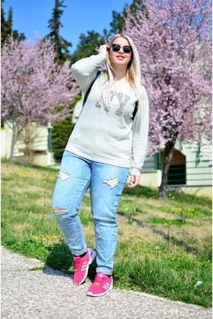 Zara blouse - Adidas sneakers