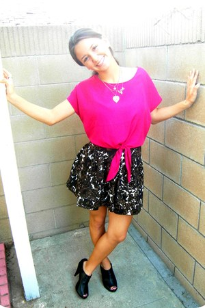 dark brown brown Forever 21 skirt - gray heart Forever 21 necklace