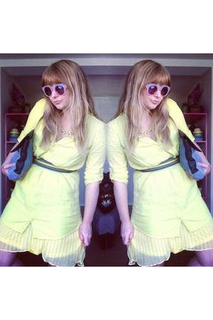 yellow Forever 21 necklace - lime green Old Navy dress