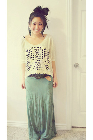 olive green tie dye maxi Swell skirt - beige PB&J Boutique top