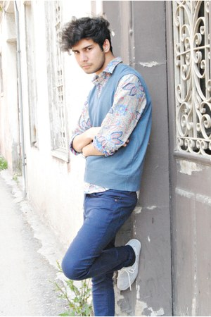 Zara shoes - Zara shirt - Pull and Bear pants