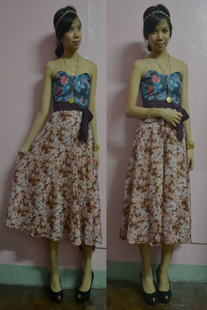 floral unarosa top - sheer vintage skirt