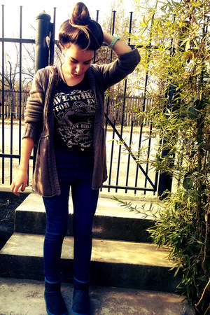bershka boots - pull and bear jeans - zara sweater - new yorker t-shirt