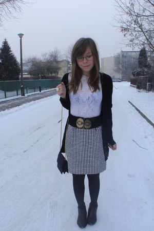 white top - black cardigan - black belt - skirt - gray purse - black boots
