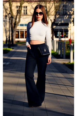 heather gray jumper - black pants