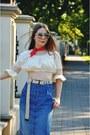 Beige-blouse