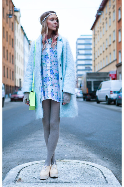 chartreuse H&M bag - light blue angora wool H&M Trend coat