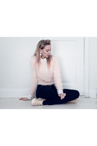 light pink furry H&M sweater - peach Monki sneakers - black GINA TRICOT pants