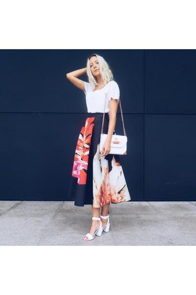 black floral print H&M skirt - white BikBok bag