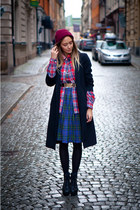 blue Scottish kilt skirt - black wool united colors of benetton coat