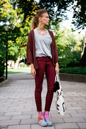 bubble gum leather Jeffrey Campbell wedges - brick red H&amp;M Trend pants