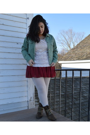 white Target tights - dark brown lace-up delias boots